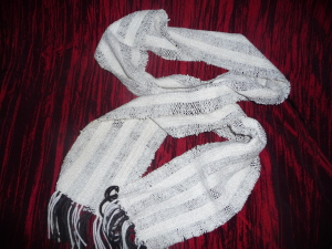 Scarf hand woven